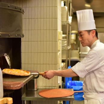 お客様に喜んでもらえる美味しい料理を作ってみませんか?スタッフ同士仲良く、毎日成長を実感できます!